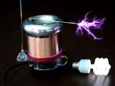 TinyTesla allows anyone to build a Tesla coil that shoots arcs of electricity and plays simple MIDI music files. Diy Tech, Cool Tech, Nikola Tesla, Diy Electronics, Electronics Projects, Diy Tesla Coil, Tesla Inventions, Electrical Projects, Electrical Engineering