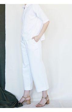 Wide Leg Trousers, Capri Pants, Legs, Fashion, Moda, Capri Trousers, Fashion Styles, Wide Legged Pants, Fashion Illustrations