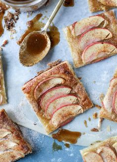 Cinnamon Sugar Apple Puff Pastry from @howsweeteats