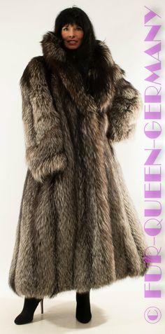 AMAZING SILVER FOX SAGA FOX LONG SWINGER FUR COAT from whole skins | eBay