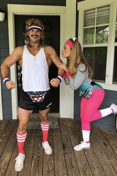 Get Stoked! These Couple Costumes For Halloween Are Totally B*tchin' costumes couples Get Stoked! These Couples Costumes For Halloween Are Totally B*tchin' Costume Année 80, 80s Party Costumes, Cute Couple Halloween Costumes, Halloween Kostüm, Halloween Office, 80s Workout Costume, Women Halloween, Couples Halloween Outfits, Halloween Recipe