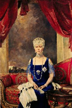 A formal portrait of Queen Mary wearing the Vlad tiara, from the Royal Collection Reine Victoria, Queen Victoria, Queen Mary, King Queen, Queen Elizabeth, Royal Family Portrait, Royal Collection Trust, Elisabeth Ii, Her Majesty The Queen