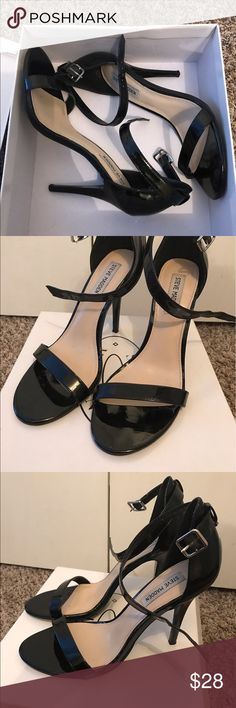 Steve Madden Single Sole Heels - Size 10 Worn once Black Steve Madden Single Sole Heels - Size 10. Only worn once. Excellent Condition. Need sold ASAP due to move. Steve Madden Shoes Heels