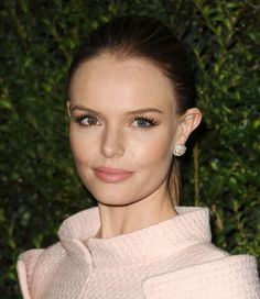 Kate Bosworth at the Chanel Pre-Oscars Dinner. See all the pre-party looks when you click.