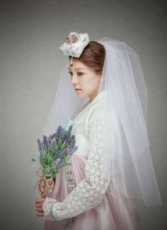 Beautiful bridal 한복 Hanbok  / Traditional Korean clothes