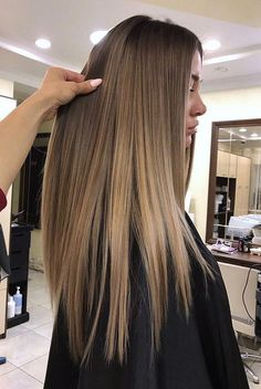 Restores dry hair on damaged hair and helps control frizzy hair. Brown Hair Balayage, Brown Blonde Hair, Light Brown Hair, Hair Color Balayage, Ombre Hair Color, Brown Hair Colors, Black Hair, Blonde Wig, Hair Colour Ideas