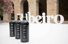 Quince vinos de la DO Ribeiro valorados con más de 90 puntos en la Guía ABC 2015 https://www.vinetur.com/2014112117458/quince-vinos-de-la-do-ribeiro-valorados-con-mas-de-90-puntos-en-la-guia-abc-2015.html