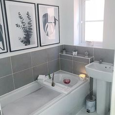 y favourite way to end a Monday 🛁. _ I'm going to say it (please don't hate me 🙊). I'm kinda (EXTREMELY 😋) happy the weather has cooled Beautiful Bathrooms, Modern Bathroom, Small Bathroom, Bathroom Inspiration, Home Decor Inspiration, Ideas Habitaciones, Bathroom Goals, Bathroom Ideas, Upstairs Bathrooms