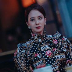 Ji Hyo Running Man, Sequin Skirt, Sequins, Crown, Songs, Beauty, Drama, Jewelry, Fashion