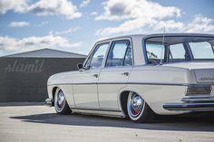 Down Under Mercs – The Timeless Trio – Slam& Mag Mercedes W114, Old Mercedes, Classic Mercedes, Custom Mercedes, Merc Benz, Commercial Van, Dream Car Garage, Old Classic Cars, Benz Car