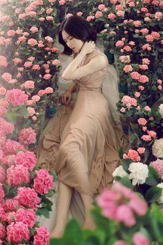 Asian Woman, Asian Girl, Asian Fashion, Girl Fashion, Yoon Sun Young, Semi Dresses, Pretty Asian, Foto Pose, Poses
