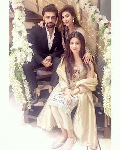 Urwa hocane and farhan saeed Pakistani Formal Dresses, Eid Dresses, Pakistani Bridal Wear, Royal Dresses, Bridal Lehenga, Wedding Couple Poses Photography, Girl Photography Poses, Bridal Photography, Wedding Poses