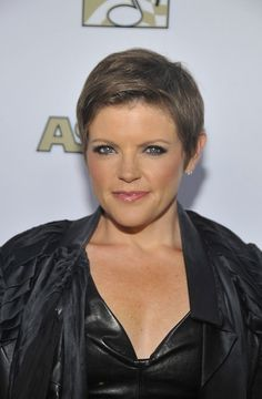 Natalie Maines Pixie - Natalie Maines attended the 29th Annual ASCAP Pop Music Awards wearing her hair in a chic, simply styled pixie.