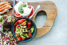 Středomořská strava snižuje riziko kognitivních poruch – Swanson.cz Weight Loss Tea, Healthy Fats, Healthy Snacks, Healthy Recipes, Healthy Nutrition, Healthy Cooking, Food Pack, Alzheimer, Mediterranean Diet Recipes