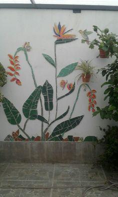best ideas for garden art diy ideas glass flowers Mosaic Artwork, Mosaic Wall Art, Mosaic Glass, Mosaic Tiles, Mosaic Mirrors, Mirror Art, Mosaic Garden Art, Garden Wall Art, Mosaic Crafts