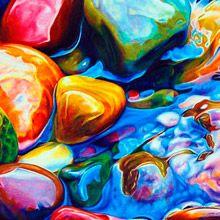 Artista californiana utiliza lápis de cor e giz de cera para criar desenhos realista abusando do uso de cores. Veja.