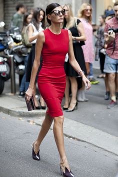 Giovanna Battaglia in the sexiest little red dress at #milanfashionweek #streetstyle