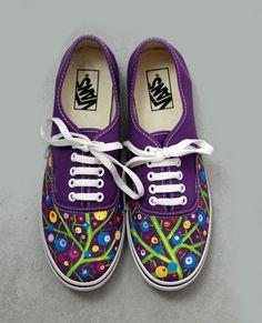 En Lolitaluna podemos personalizar tus propias zapatillas. ¡Pregúntanos!