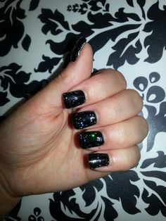 Black sparkles!! Black Sparkle, Print Tattoos, Sparkles, Nails, Beauty, Finger Nails, Ongles, Cosmetology, Nail