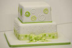 Hochzeitstorte grün weiß mit Punkten