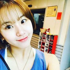 Thats my girl  #TWICE #트와이스 #채영 #chaeyoung #sonchaeyoung #chaeng #kpop #twicechaeyoung #손채영 #knockknock #jyp #chaeyoungtwice #TT #prettyrapstarchaeyoung #signal