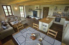 floorplan idea for the little house. House Plans, Cottage Inspiration, House Design, Little House, Cozy House, Tiny House Cabin, House Interior, Log Homes, Farmhouse Interior