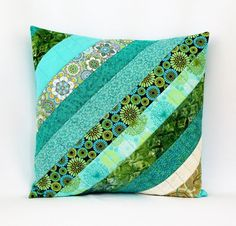 Aqua Throw Pillow Cover, Quilted Patchwork Decorative Pillow, Beach house Living Room Decor - New Deko Sites Crazy Patchwork, Patchwork Patterns, Patchwork Quilting, Quilt Patterns, Patchwork Ideas, Patchwork Designs, Patchwork Bags, Aqua Throw Pillows, Throw Pillow Covers