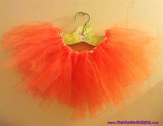 Tutu naranja con cinta. myvioletdesigns.com