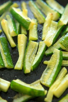 Baked Zucchini with Truffle Oil is the perfect easy side dish! Delicious and quick way to eat up your zucchini crop. Side Recipes, Real Food Recipes, Vegetarian Recipes, Snack Recipes, Cooking Recipes, Side Dishes Easy, Tasty Dishes, Healthy Recepies, Healthy Food