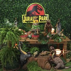 Hoje é dia de Jurassic Park no @magiaecia com @wagnerxuxu @cleuzaferreiradecoracoes @wondercakesoficial @boloslocacao obrigada amigos e… Birthday Party At Park, Dinosaur Birthday Party, 1st Boy Birthday, Festa Jurassic Park, Jurrassic Park, Curious George Party, Birthday Table Decorations, The Good Dinosaur, T Rex