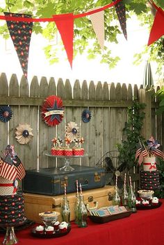 Vintage WWII Inspired July 4th Dessert Table!! I think I'm going with the Vintage look this year!!!