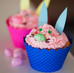 Easy Easter Bunny Cupcakes using wrappers by @Dress My Cupcake