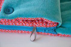 Sleeping bag / nest 'Geometric fluo' - handmade by Viltstad