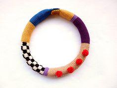 Crochet tubular necklace with chessboard pattern and por bibatron