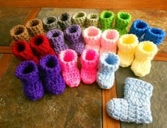 Crochet Pattern - Crochet Baby Shoes Booties Christening/Baptism - Beautiful Flower Sole - 3 to 6 months and months Bebe Crochet Gifts, Hand Crochet, Crochet Flower, Diy Crochet, Crochet Baby Booties, Baby Blanket Crochet, Baby Patterns, Crochet Patterns, Crochet Ideas