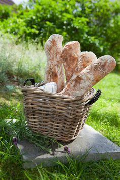 Recept på frasiga franska baguetter Baguette, Rolls, Food And Drink, Cooking, Mat, Breads, Corner, Spring, Amazing