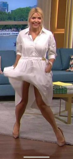 Holly Willoughby Legs, Avengers Girl, Windy Skirts, Great Legs, Stunning Women, Sexy Heels, White Dress, Blondies, Lady