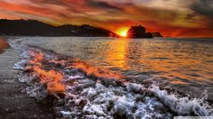 These are incredible sunsets photography by Ivan Goroun. Description from creoflick.net. I searched for this on bing.com/images