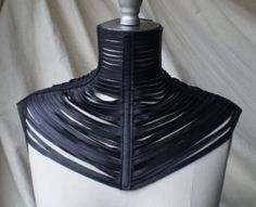Strip posture collar