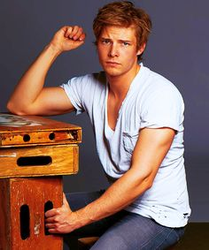 Hunter Parrish.