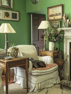 Splendid I love how the furnishings in this room are how I would believe English Country to look. The post I love how the furnishings in this room are how I would believe English Country … ap . English Country Decor, Welsh Country, Green Rooms, Green Walls, Green Living Room Walls, Cottage Interiors, Cottage Living, Cozy Cottage, Cozy Living