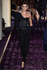 Versace Fall 2014 Couture - Review - Fashion Week - Runway, Fashion Shows and Collections - Vogue
