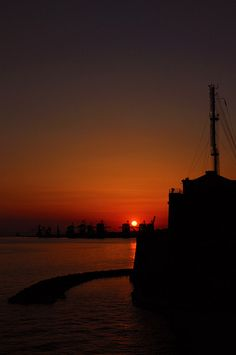 Will we see a sunset like this on our visit to Taranto? Photo details: Just Sunset,Taranto, Italy