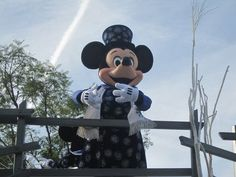 Disneyland Holiday Parade - Mickey