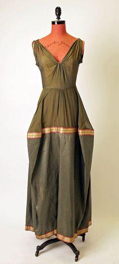 Dress, Dinner Charles James  (American, born Great Britain, 1906–1978) Date: 1945  Culture: American  Medium: silk