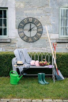 Garden Clocks, Hello Summer, Antiques, Diy, Antiquities, Antique, Bricolage, Do It Yourself, Homemade