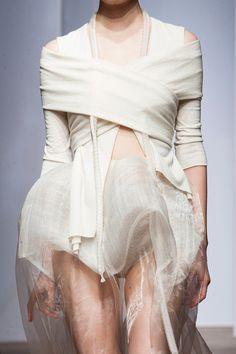 Yiqing Yin Haute Couture Fall 2013