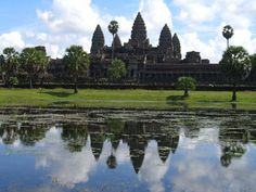 Google Image Result for http://0.tqn.com/d/adventuretravel/1/0/6/-/-/-/AngkorWattemplesA.jpg
