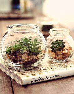 Esvaziou o recipiente? Nada de dispensar o vidro. Com pequenas  adaptações, frascos de conserva, geleias e afins ganham novas e nobres funções