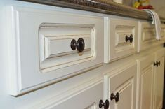 painted kitchen cabinet details, kitchen cabinets, kitchen design, painting, Close up view of painted and glazed drawers